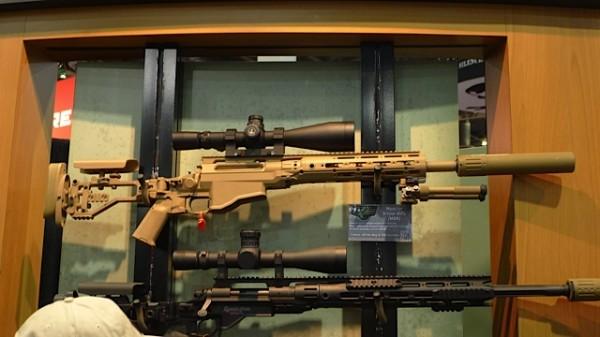 Mer og mer alu.chassi på rifler.