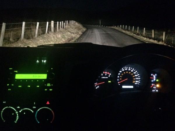 Toyota Hilux er en glimrende bil for jakt. Første kvelden ga ingen resultat.