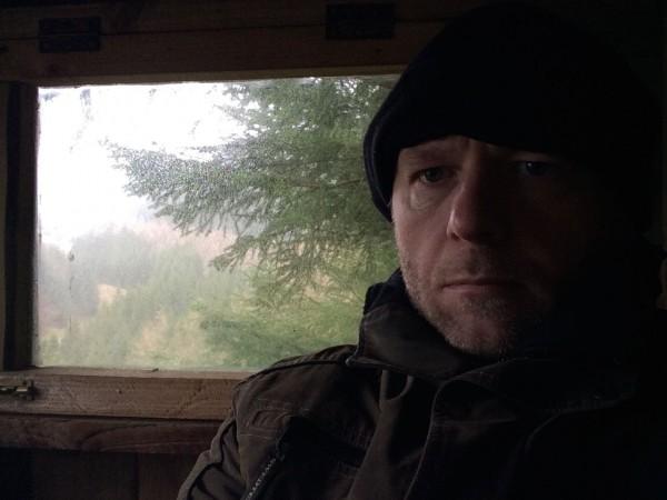 Pga. vind tok jeg tilholdssted i en lukket boks. Mangel på søvn begynner å syntes.