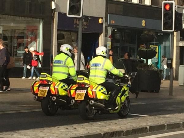 Politi på mc, var rundt overalt
