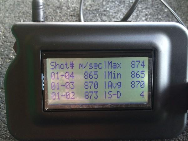870m/s med en 123 A-max. De viste 3mtr forskjell. Og det var hele veien skudd for skudd.