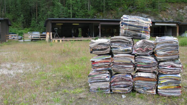 Noen kg. med våte aviser