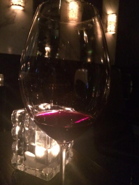 Selvfølgelig litt rødt i glasset.