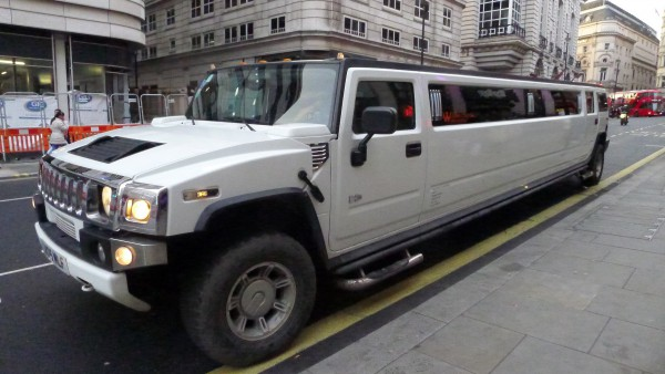 Nå snakker vi Limo, men det må jo være et hæ**** å kjøre med i tranger London gater
