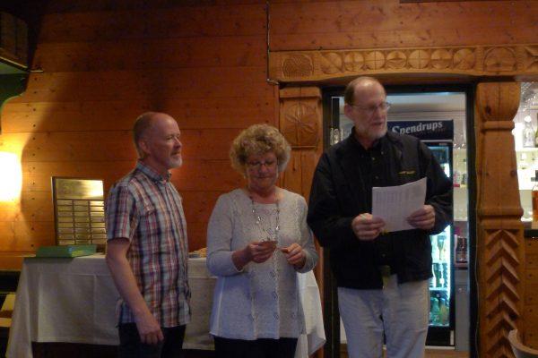 Stuart & Annie Elliott fra Australia var på ferie og kom innom. De sto for premie utdeling. Det er også de som driver BRT shooter supply i Austalia. Her sammen med Steffan fra Sverige