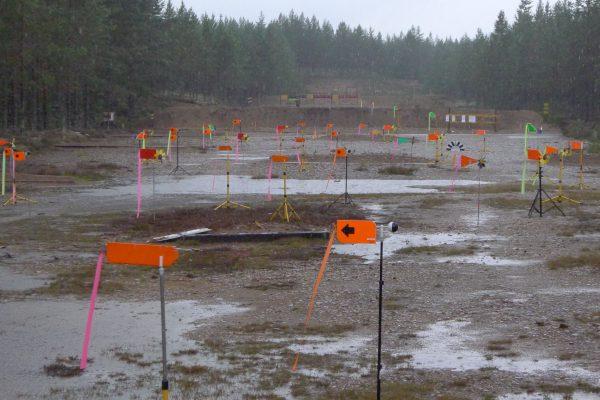 Ble noe fuktig etterhvert. Syntes synd på mannskapet som skulle flytte skivestativet fra 100m til 200m i det regnet.